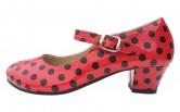 Spanische Schuhe mit Punkten